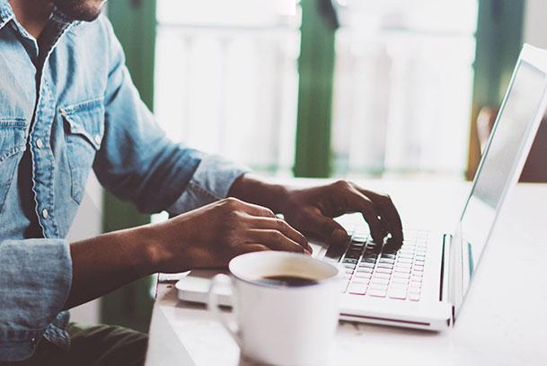 Mit E-Mail Marketing können Sie leicht mit Ihren Kunden im Kontakt bleiben.