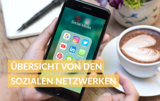 Smaprtphone mit Social Media Apps